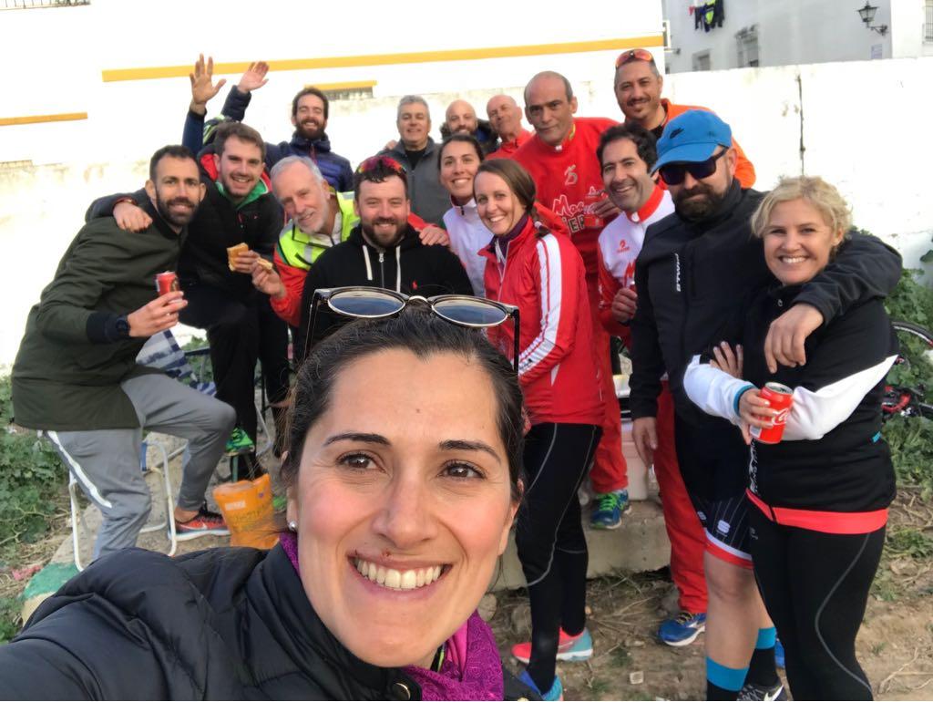 Los «Bicicleteros» del A.D. Maratón Jerez realizaron la subida a La Bola y convivencia en Alcalá de los Gazules. Etapa Vuelta Ciclista a Andalucía.
