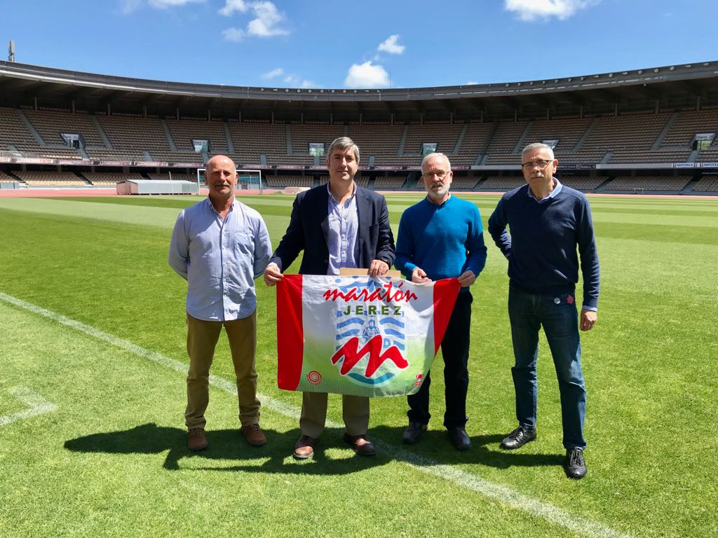 Acuerdo de patrocinio de Instituto Chárbel  al  A.D. Maratón Jerez para los próximos tres años.
