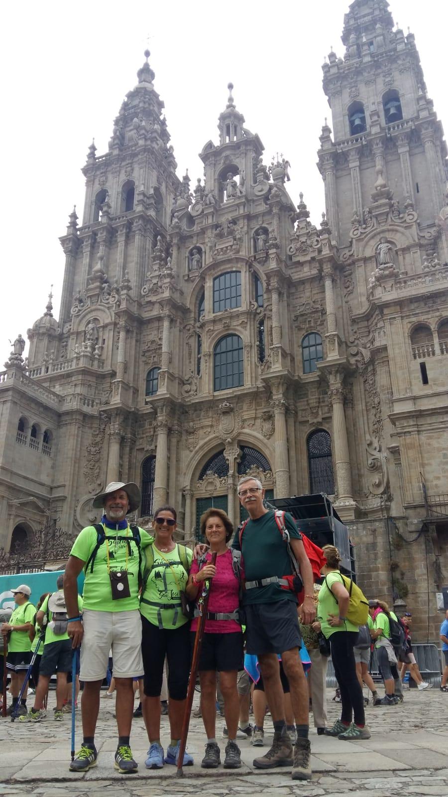 Nuestros compañeros Lorenzo, Toñi, Carmen y Herme  terminaron su Camino de peregrinación a Santiago de Compostela