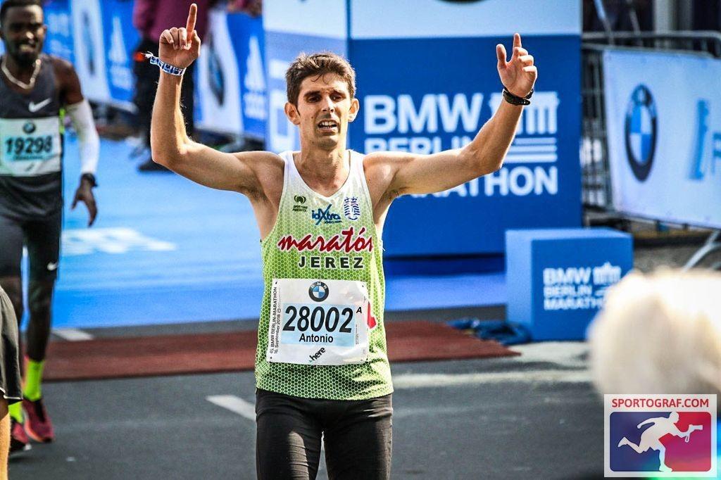 Sobresalientes Antonio Martín Romero 2h 29´ 29″ y el veterano Emilio Magnien en la 45º Maratón de Berlín