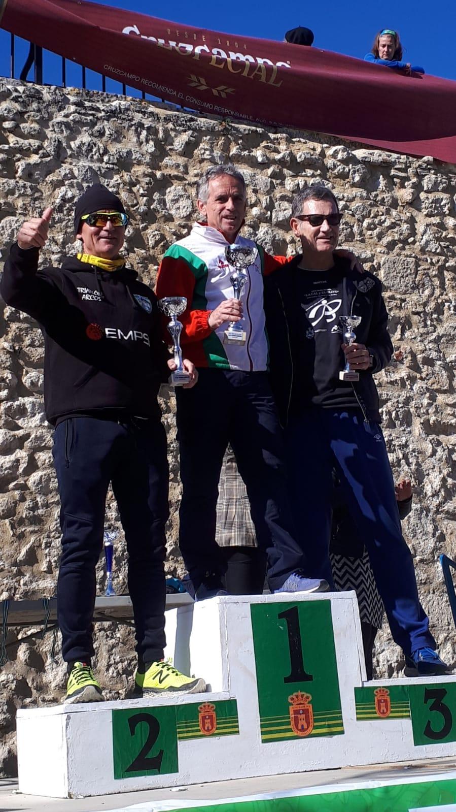 Muy bien Juan L. Aliaño en el «XXXIX Maratón del Pavo» clasificándose  el «20» de la Gral. y el «1º» V/C