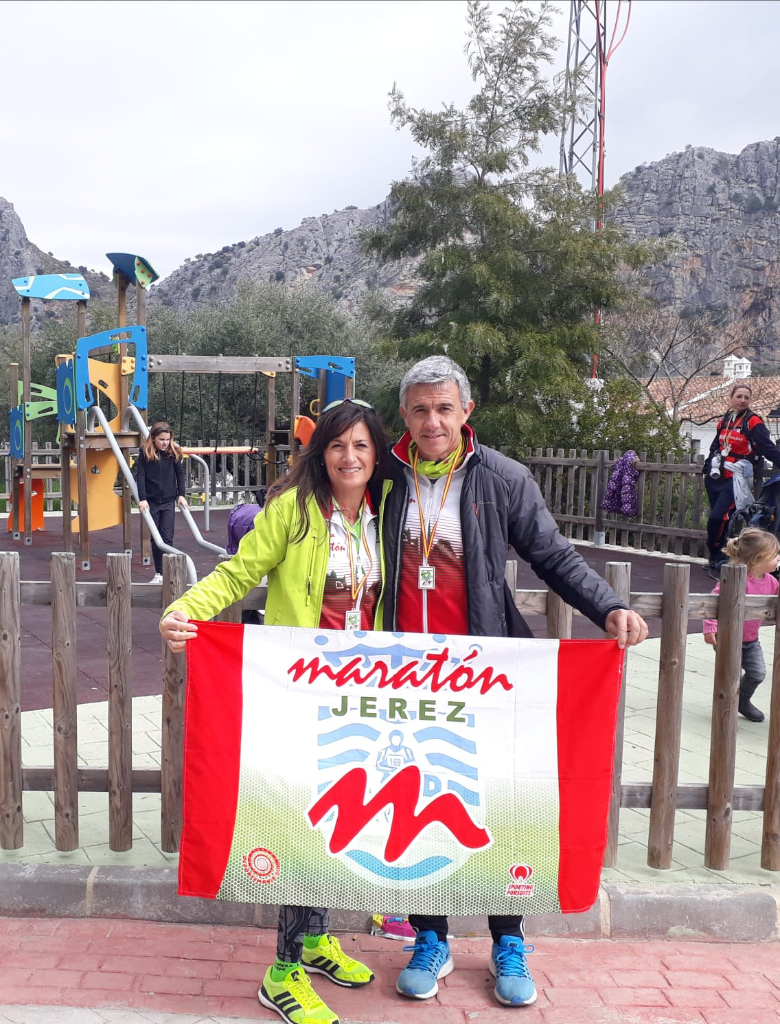 Muy bien María J. Valle y Luis M. Sánchez «4» por parejas en el «IV Trail San Valentín» en Montejaque